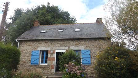 This cute Breton cottage is on the market now!