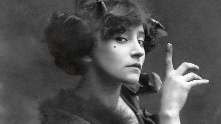 French writer Colette in 1906 during her music hall career © La Maison de Colette