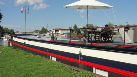 Relax on board the barge © Serenity Barge