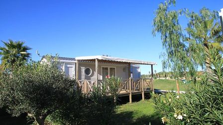 Three-bed mobile home in Argeles-sur-Mer for sale for 37,000 euros