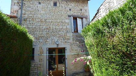 Two-bed house in Deux-Sevres for sale for 38,850 euros
