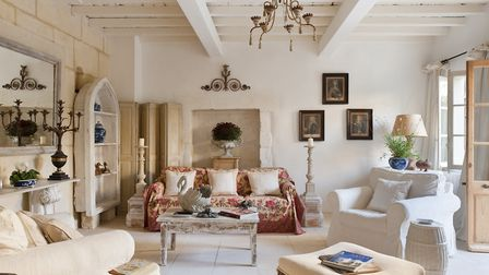 A dated hotel is now a beautiful holiday home in Provence ©Andreas von Einsiedel