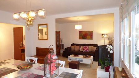 Stylish apartment on the Mediterranean coast for sale for 173,000 euros with Sextant French Properti
