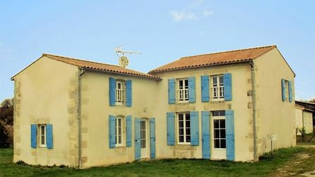 Four-bed village house in Charente-Maritime for sale for 199,280 euros with Beaux Villages Immobilie