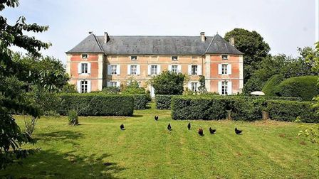 18th-century chateau for sale in Deux-Sevres for 445,000 euros