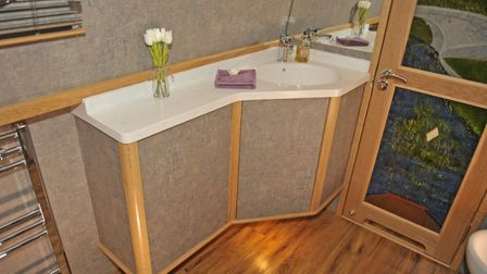 Floating basin unit (photo: Andy R Annable)