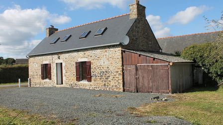 Breton longere in Bringolo for sale for 82,125 euros with LBVImmo
