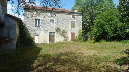 This grand house in Charente needs complete renovation
