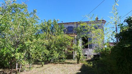 A large house in Charente-Maritime in need of complete restoration