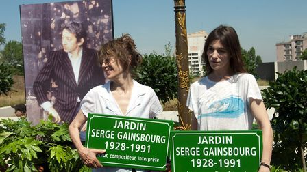 Jane Birkin and Charlotte Gainsbourg at the inauguration of the Jardin Serge Gainsbourg in Paris © O