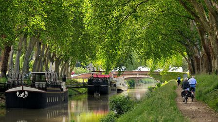 Find a home in France where you can cycle from your door - like on the Canal du Midi in Toulouse ©th
