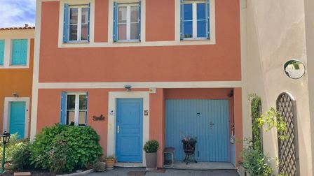 Close to the French Riviera beaches, a pretty holiday home in Var