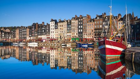 The colourful harbour of Honfleur in Normandy ©JohannesValkama/GettyImages