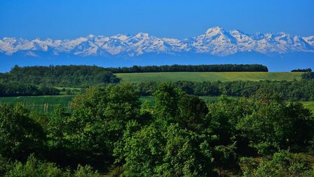View of the Pyrenees from Gers (c) Collection Tourisme Gers CDT32 Gérard Vilmino