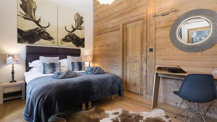 Chalet JJ can sleep 10 people and is close to the ski lift © More Mountain