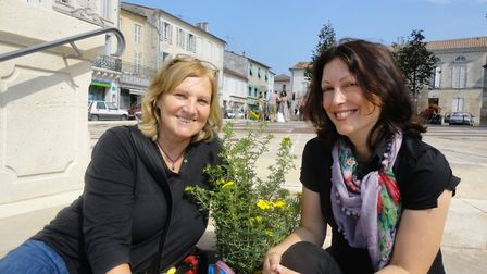 Kate and Jacalyn are enjoying life in Charente-Maritime