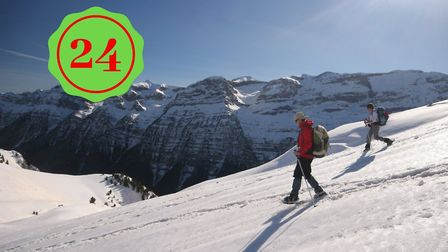 Win a snowshoeing holiday in the Pyrenees (c) Oliver Guix