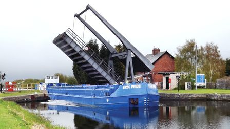 Rare sight: a loaded tanker barge on the New Junction Canal (photo: CRT)