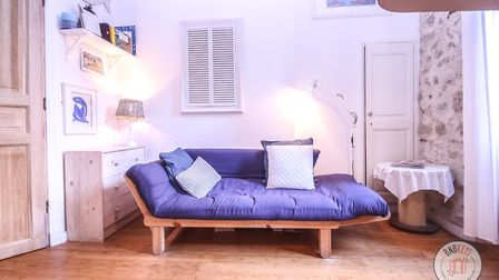 Keep interior decoration simple and uncluttered