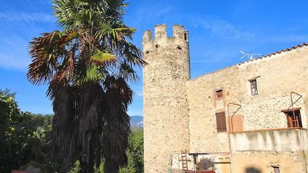 House to restore in Pyrenees Orientales (c) Leggett Immobilier