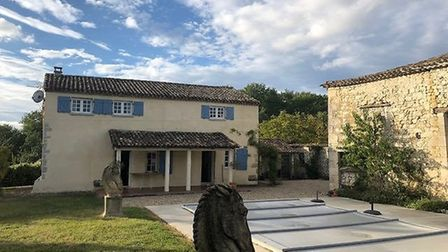 A four-bedroom house in Lot-et-Garonne with pool