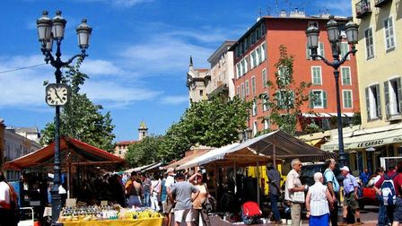 Flea market on Cours Saleya in sunny Nice. Pic: Mg02/CC BY 2.0