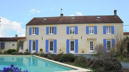 Beautiful house with pool in Charente Maritime (beauxvillages.com)