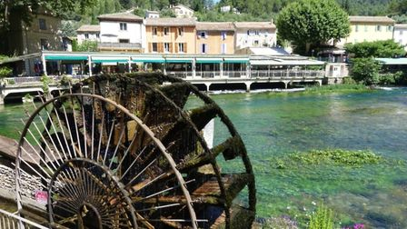 Waterwheel at Fontaine-de-Vaucluse in Provence photo by Adam Batterbee