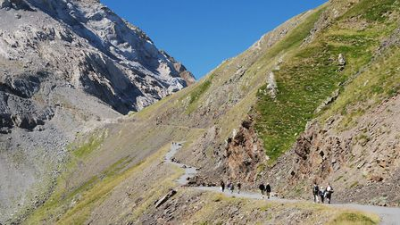 Hikers on the Col de Tentes (c) olegmit / Getty Images