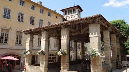 The old market hall in Saint-Antonin-Noble-Val image MOSSOT CC BY-SA 3.0
