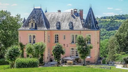 Chateau in Corrze on the market with Leggett Immobilier