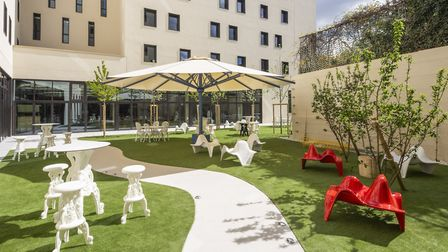 The outdoor space at JO&JOE Paris Gentilly (c) ABACApress/Thierry Sauvage
