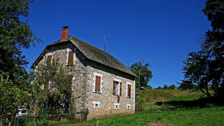 The price of an old French farmhouse is creeping up (c) paulprescott72 Getty Images