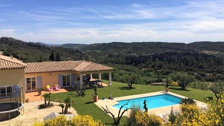 You could save 198,000 euros on this house in Herault