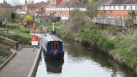 Leaving the Barge Lock near Droitwich town centre (photo: Martin Ludgate)