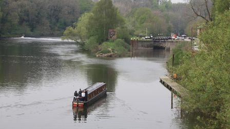 Holt Lock and adjacent weir on the Severn (photo: Martin Ludgate)