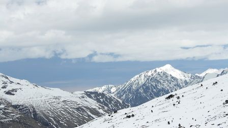 South of Toulouse, the Pyrenees mountains are good for skiing (c) arenysam / Getty Images