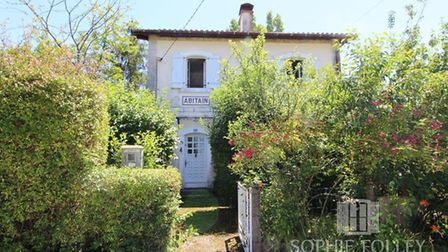 Stationmaster house for sale in Pyrenees Atlantiques with Sophie Folley Immobilier