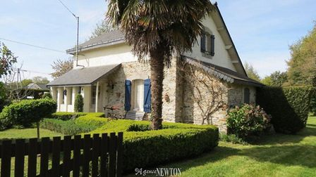 Railway cottage for sale in Morbihan with Agence Newton