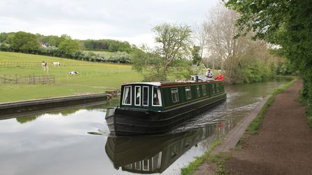 The quiet, rural lower end of the Stourbridge Canal to the west of Wordsley Junction (photo: Derek P