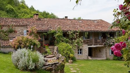 The couple bought an old farmhouse in the commune of Caylus © Nicki Hibbert Photography