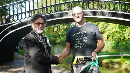 Lord Mayor of Oxford thanks boater for litter pick marathon