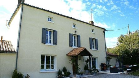 House with pool reduced in price in Deux-Sevres - Beaux Villages