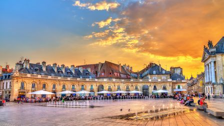 Explore Burgundy (c) Leonid Andronov / Getty Images
