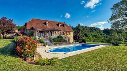 Fabulous property in Lot on the market with Allez Francais for 399,950 euros