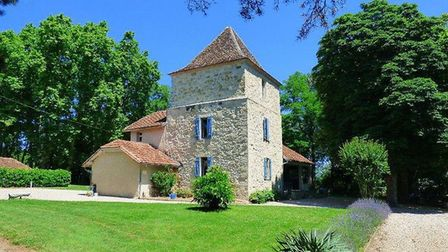 Beautiful home near Tombeboeuf on the market for 604k with Beaux Villages