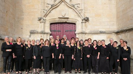 Gillian and Linda both joined a French choir in Coulon to make new friends and ended up finding each