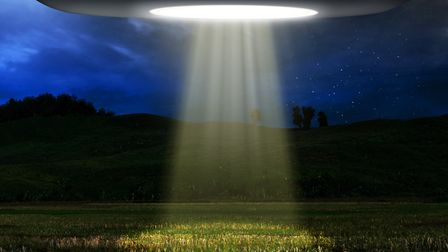 Flying saucers are banned from landing in Châteauneuf-du-Pape (c) FOTOKITA / Getty Images