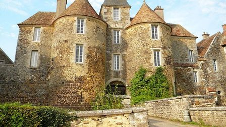 The Chateau de Ratilly is one of many enchanting, lesser-known French chateaux. Pic: Unvoyageenmob/W