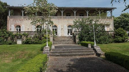 This gorgeous Charentaise has undergone a huge price reduction